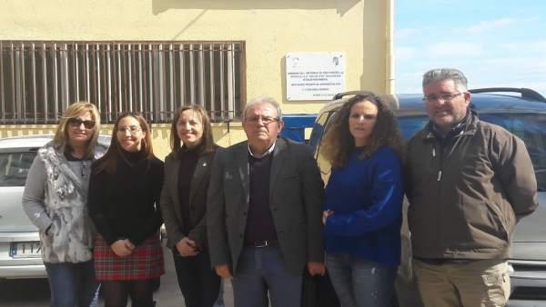Fernández en su visita al CEIP Virgen de la Paz