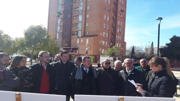 Visita a las actuaciones realizadas en la barriada linarense de Arrayanes.