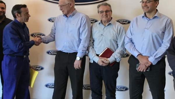 Ford Almussafes firma amb els sindicats l'acord de competitivitat 'Horizontes 2020s'