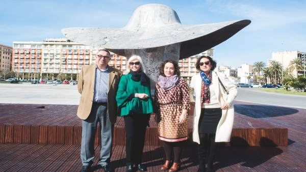 La escultura 'La Palmera' en la Marina