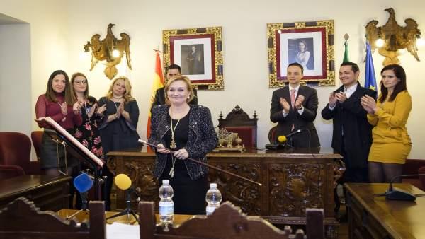 María José Ayuso Escobar (PSOE) es elegida alcaldesa de Aguilar de la Frontera