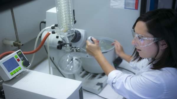 Investigación en el Laboratorio de Química Inorgánica