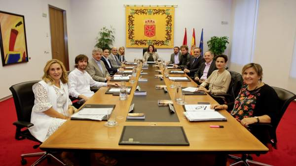 Mesa y Junta de Portavoces del Parlamento de Navarra.