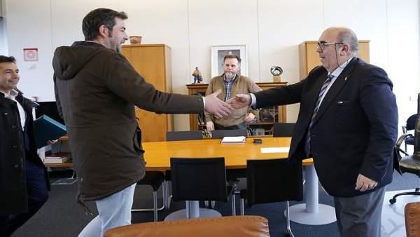Oria se reúne con el alcalde de Santoña
