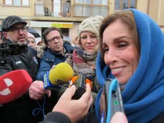 Segovia.- Ana Belén Responde A Las Preguntas De Los Periodistas