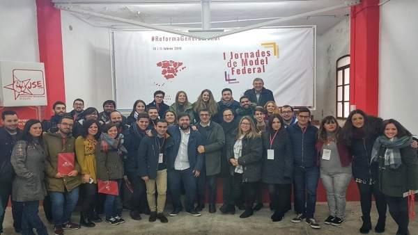Participantes en el encuentro de Joves Socialistes