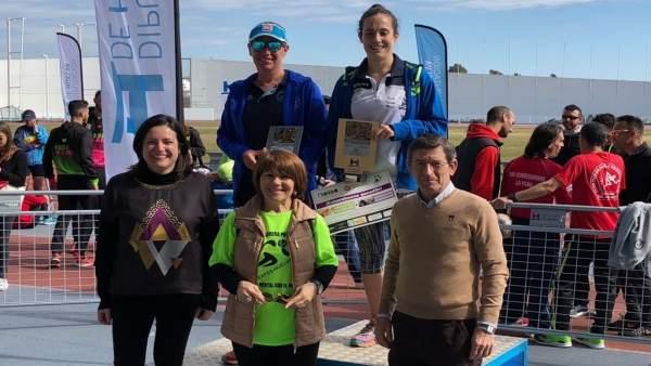 Las ganadoras de la VIII carrera 'La salud mental con el deporte'
