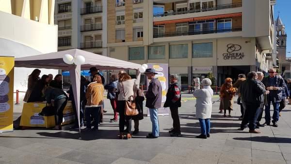 Recogida de firmas organizada por la asociación Hablamos Español