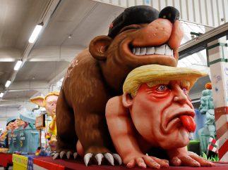 Trump y Rusia, parodia de carnaval