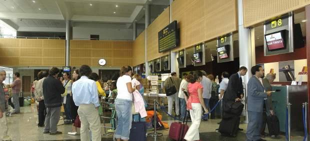 Cancelaciones, pérdida de maletas, overbooking, retrasos... 12 tips que te conviene saber si ...