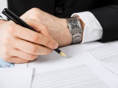 Ayudas para que el autónomo contrate: tres casos especiales