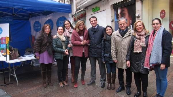 José María Bellido con representantes del PP
