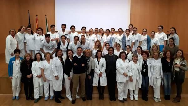 Los estudiantes de enfermería que acoge el Hospital de Valme