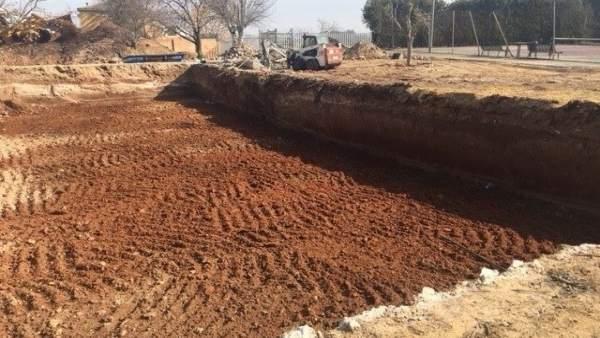 Obras de la nueva piscina de Olivares
