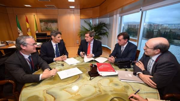 Firma de operación de Tesorería de Diputación con el Banco Sabadell
