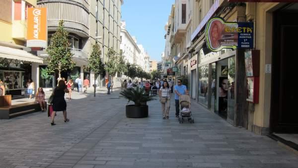 La Calle Cruz Conde Peatonalizada