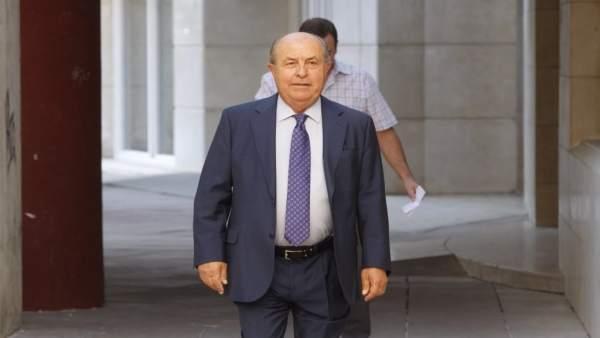 El exalcalde de Granada José Torres Hurtado llega a los juzgados para declarar