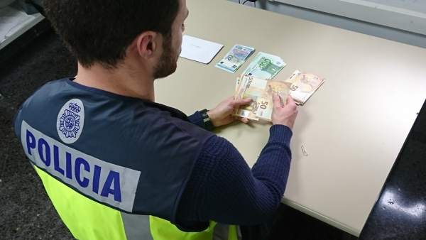 La Policía Nacional Detiene En Mallorca A Una Pareja Que Estaban A Punto De Casa