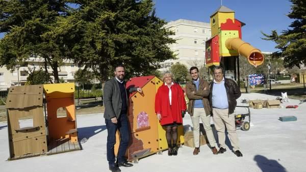 Raúl Jiménez y Teresa Porras en el Parque Infantil en Teatinos