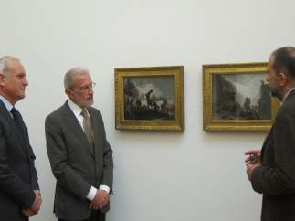 Girona, Morcillo i Casar al costat dels quadres de Goya