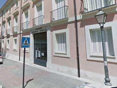 Entrada al colegio Sagrada Familia de Aranjuez