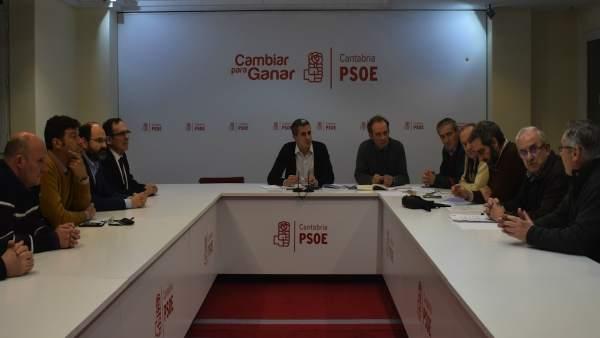 Reunión sobre Vuelta Ostrera en el PSOE