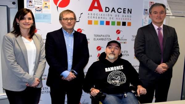 Adacen y Mutua Navarra presentan campaña para detectar y prevenir el ictus.