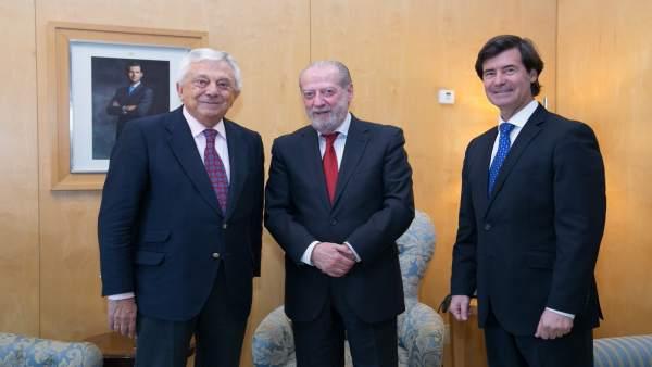 Pie De Foto: Villalobos Se Reúne Con Presidentes Cámara De Comercio Y Ces