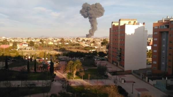 Imagen de la columna de humo