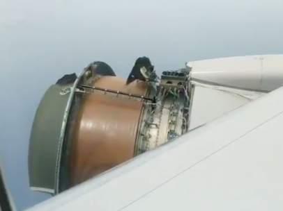 Avión de United Airlines pierde un motor