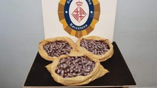 Hachís intervenido por la Guardia Urbana de Barcelona.