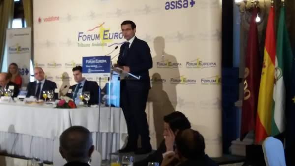 El alcalde de Granada, Francisco Cuenca, en el Forum Europa