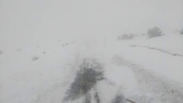 Puerto de La Rioja con nieve