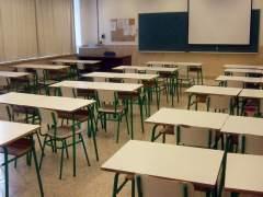 La Generalitat de Cataluña aplaza un mes la preinscripción escolar