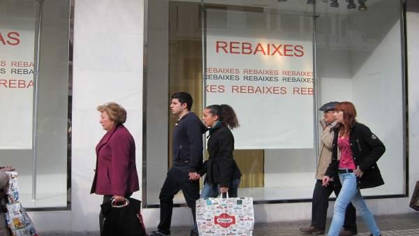 Aprovat l'acord sobre horaris comercials amb l'abstenció del PP, Podem i Cs