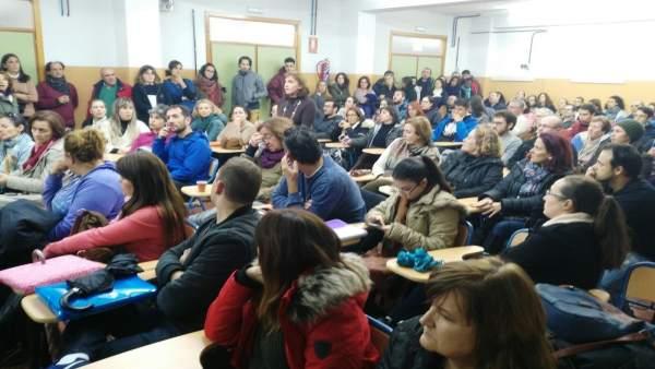 Asamblea de alumnado de la EOI donde decidió movilizaciones