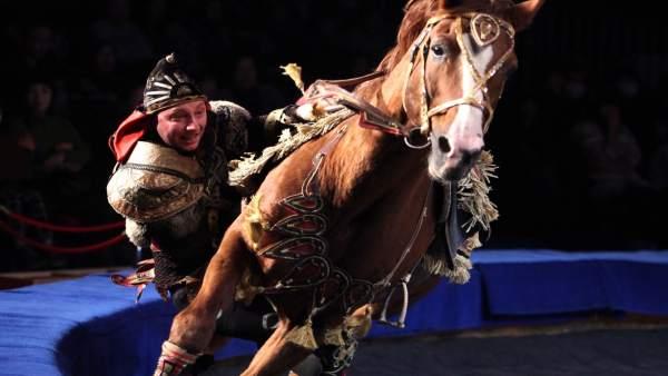 Troupe Muratov, volteo a cavallo, de la compañía rusa que actuará en Figueres