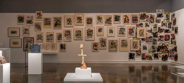 El IVAM saca a la luz el Miró más radical y combativo