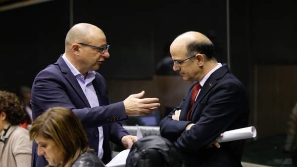 Carlos Gimenos (PSN) y Alberto Catalán (UPN).