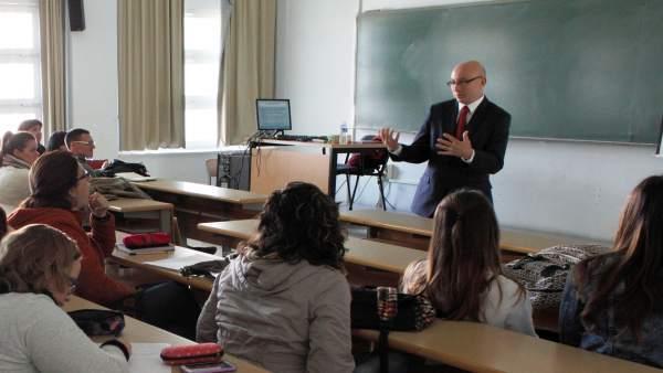 El profesor Flavio Marsiglia
