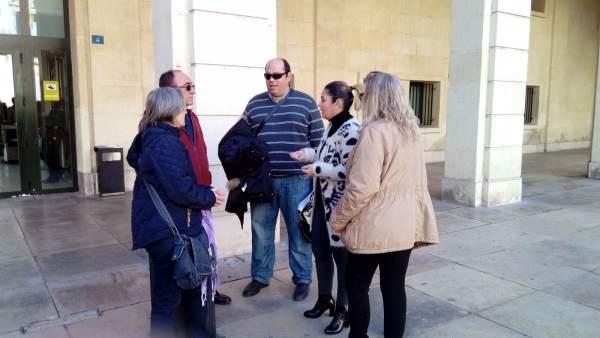 Compromís porta a Fiscalia les 1.200 intervencions realitzades a 87 pacients que va derivar un metge d'Alacant