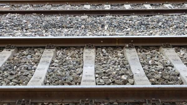 Adif inicia els treballs previs a la segona fase de les obres d'implantació del tercer carril entre València i Castelló