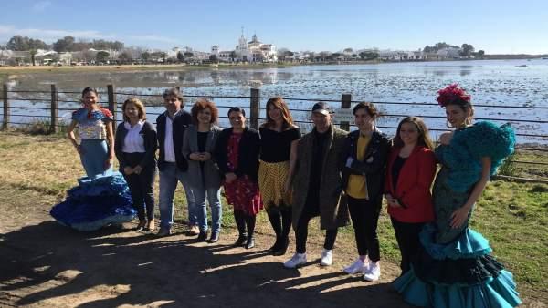 Presentan la pasarela flamenca Doñana D'Flamenca.