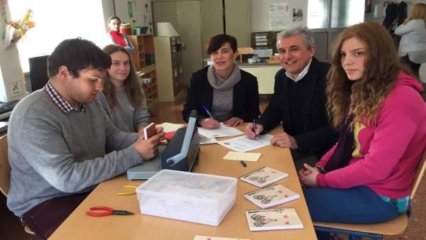 Acuerdo entre la Escuela de Arte Granada y el centro Jean Piaget
