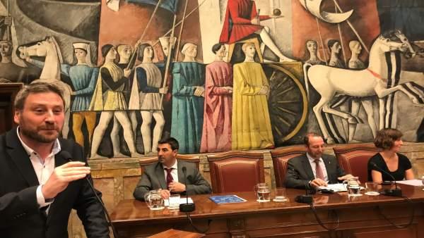 El consejero de José Luis Soro, en Consejo Metropolitano de la movilidad