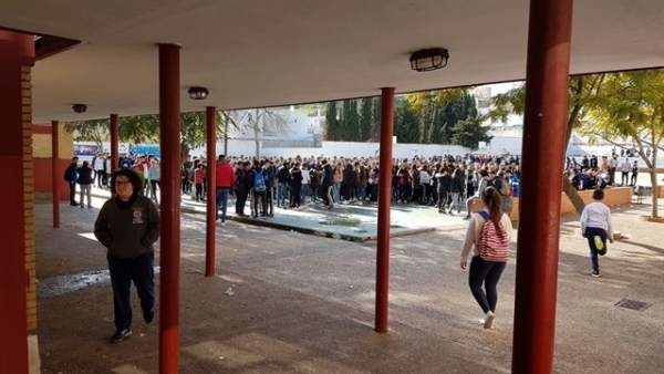 Protesta en el IES Guadalquivir