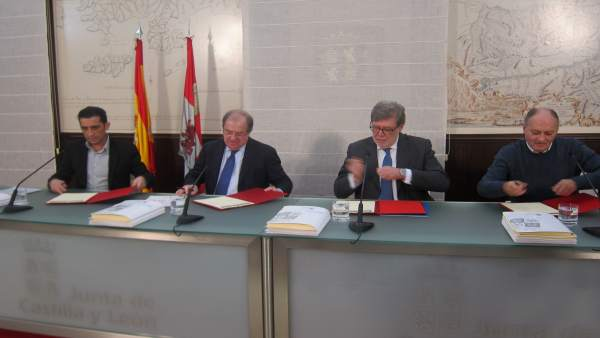 Acto de la firma de los acuerdos del Diálogo Social.