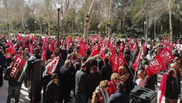 Concentración sindical ante la Subdegelación.