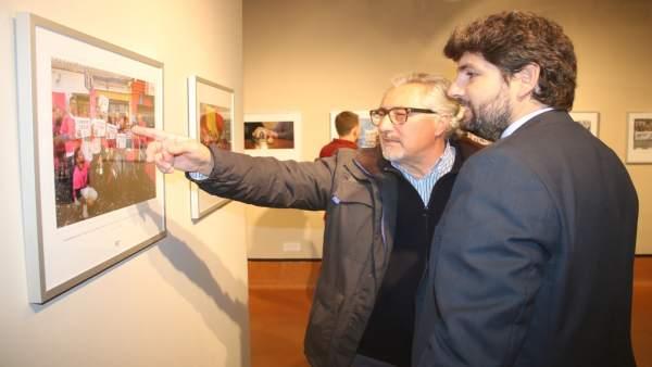 Fotonoticia/ Fernando López Miras Inaugura La Exposici Ón 'Fotoperiodismo 2017'