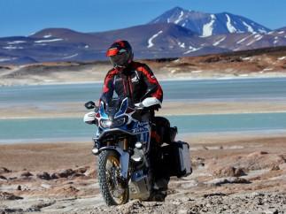 Honda CRF1000L Africa Twin Adventure Sports, preparada para soportar una vida más dura